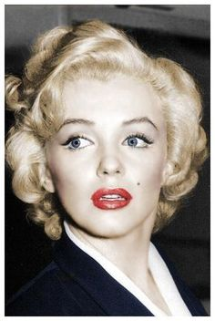 Marilyn Monroe Make-up - Makeup Looks Full Face Marylin Monroe, Fotos Marilyn Monroe, Marilyn Monroe Makeup, Vintage Makeup, 1950s Makeup, Vintage Hair, Maquillaje Marilyn Monroe, Hollywood Glamour, Marilyn Monroe Cuadros