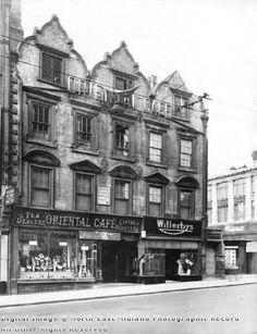 Oriental Cafe, corner of Wheeler Gate and Friar Lane, Nottingham, 1944 Nottingham City Centre, Anime Pixel Art, Strange Photos, Great British, Train Station, Victorian Era, Family History, Old Photos, Derby