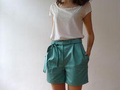 In the Mood for Valix | Salme Paper Bag Waist Short (bleu céladon)
