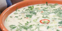 Green Chile Queso recipe from Valerie's Home Cooking via Food Network Green Chile Queso Recipe, Chili Queso Dip, Appetizer Dips, Appetizer Recipes, Snack Recipes, Cooking Recipes, Cooking Food, Cheese Appetizers, Cheese Recipes