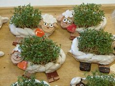 handbuilt fun wormies for my potted plants or the garden - Salvabrani Pottery Animals, Ceramic Animals, Ceramic Art, Clay Projects For Kids, Crafts For Kids, Colorful Donuts, Clay Classes, Clay Bowl, Hand Built Pottery