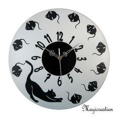 sur commande dans vos coloris horloge chat et souris boutique www.magicreation.fr Clock, Wall, Boutique, Home Decor, Cat Clock, Wall Clocks, Watch, Decoration Home, Room Decor