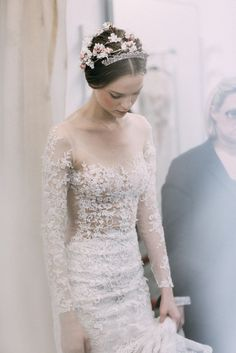 Coming up lace and roses at Reem Acra Bridal, Fall 2015