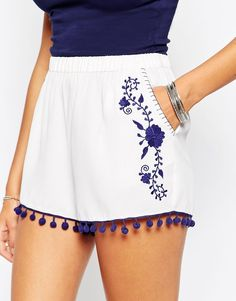 Shorts with Embroidery and Pom Poms Shop ASOS Woven Shorts with Embroidery. - Hairstyle -Woven Shorts with Embroidery and Pom Poms Shop ASOS Woven Shorts with Embroidery. Outfits Casual, Short Outfits, Short Dresses, Summer Outfits, Cute Outfits, Fashion Outfits, Womens Fashion, Summer Shorts, Fashion Shorts