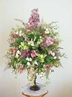 Fake Floral Arrangements For Your Table Centerpiece: Spring Fake Floral Arrangements Design