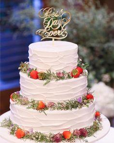 絵本に出てきそう♡ナチュラル可愛いウェディングケーキのデザインカタログ   marry[マリー] Cute Cakes, Yummy Cakes, Pretty Wedding Cakes, Wedding Letters, Invitations, Weddings, Desserts, Beautiful Cakes, Bridal Gowns