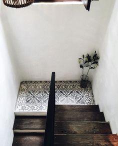 Tiles on the landing inspo