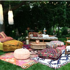 28 Absolutely dreamy Bohemian garden design ideas Cozy outdoor space with Boho inspired decorations and whimsical touches. Throws and toss pillows helps to create an inviting oasis to spend time enjoying the great outdoors. (via fleamarketfab) Outdoor Spaces, Outdoor Living, Outdoor Decor, Outdoor Lounge, Boho Lounge, Outdoor Seating, Party Outdoor, Outdoor Life, Backyard Party Lighting