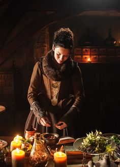 Caitriona Balfe in 'Outlander' (2014). x