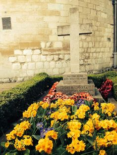 Edith Cavell's grave Special People, Good People, Edith Cavell, School Pictures, Christian Faith, Norfolk, Pathways, Nursing, The Unit