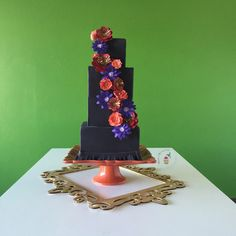 Square cake done in #black #fondx by Reva Alexander-Hawk for Merci Beaucoup Cakes #modernweddingcake