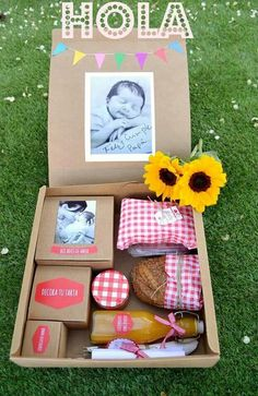 Breakfast Sorprise Packaging Ideas For 2019 Diy Party Gifts, Diy Gifts, Birthday Diy, Birthday Gifts, Ideas Para Fiestas, Party In A Box, Creative Gifts, Gift Baskets, Special Gifts