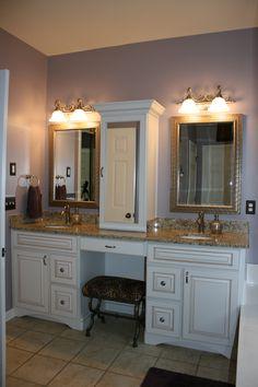 Lovely bathroom wall cabinet cognac to refresh your home Trendy Bathroom, Fixer Upper Bathroom, Bathroom Spa, Bathroom Vanity, Bathroom Wall Colors, Bathroom Wall Cabinets, Bathroom, Classic Cabinets, Bathroom Wall