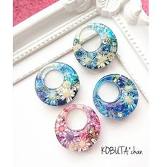 Diy Resin Art, Diy Resin Crafts, Jewelry Crafts, Diy Crystals, Crystals And Gemstones, Resin Jewelry Making, Resin Charms, Handmade Accessories, Jewelery