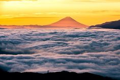 Great sea of cloud Photo by Takashi - 2016 National Geographic Travel Photographer of the Year