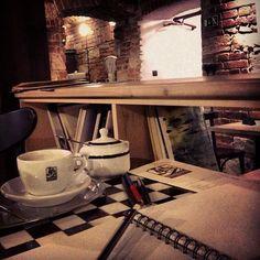 Kavarna Prazirna Prague, Corner Desk, Entryway Tables, Restaurant, Dishes, Furniture, Home Decor, Corner Table, Decoration Home