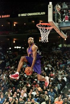 Vince Carter, one of the best dunkers of all time.
