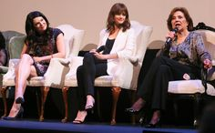 Lauren Graham, Alexis Bledel, Kelly Bishop - 'Gilmore Girls' reunion at ATX Television Festival - Pics from the panel - EW.com