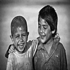 """""""سألني ما الفرق بين الإعجاب والحب فقلت: الإعجاب أن تعجبك خصلة ما في شخص وتنظر إليه باحترام وإعجاب ما لازمته هذه الخصلة. أما الحب فهو حب نفس بكل ما فيها. فإن رأيت الجميل أعجبك وسررت به وإن رأيت القبيح سترته واحتويته. فالمحبوب في نظر محبه تام وإن امتلأ بالنقص"""""""