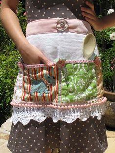 Apron DIY Recycles by Angel @ Sew Crafty Angel:  http://sewcraftyangel.blogspot.com/2013/08/apron-diy-recycles.html