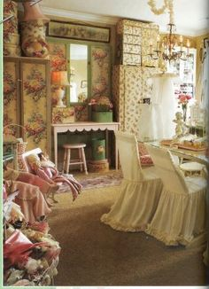 Hazelruthes's: Where Women Create Magazine--Eye Candy Alert!