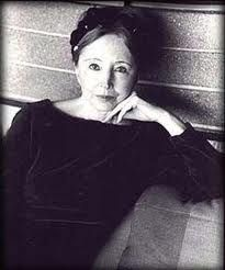 """Anaïs Nin: """"And the day came when the risk to remain tight in a bud was more painful than the risk it took to blossom"""""""
