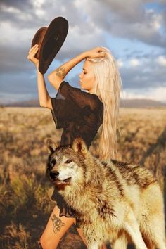 Wolf Pictures, Cute Dog Pictures, She Wolf, Wolf Girl, Angry Wolf, Female Demons, Rare Dogs, Wolves And Women, Fantasy Wolf