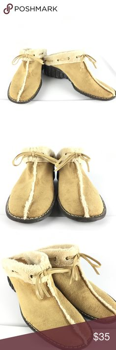 "Anne Klein Women's Suede Shoes Slides Mules Sz 7 M Anne Klein Women's Suede Fur Lined Slide On Mules  ""Chilly"" Style Mules Clogs Shoes  Size 7 M Super soft faux fur lining (fully lined insole) Rubber Soles Tan suede with beige lining   There is a white powdery ""bloom"" on the Rubber Soles, this is because rubber is a natural product and in some conditions, insoluble particles may rise to the surface. This is a normal process, characteristic of high quality, natural rubber. It can be easily…"