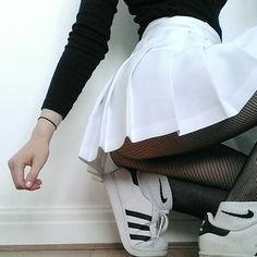 ♡ | more grunge thinspo, the only thing I would change is the shoes I would wear converse