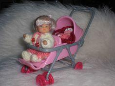 Barbie Puppen-Geschwisterwagen mit Kleinkind,  Tragetasche, Baby und Zubehör
