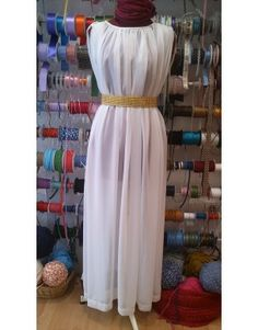 Toga Romana, Biblical Costumes, Roman Costumes, Greek Goddess Dress, Toga Costume, Toga Party, Roman Fashion, Medieval Dress, Blouse And Skirt