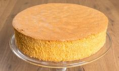 Pan di Spagna is the most popular type of cake in Italy. This sponge-like cake serves as a foundation for many elaborate desserts, such as cassata and zuppa inglese. Italian Sponge Cake, Italian Cake, Italian Desserts, Italian Recipes, Sweet Light, Eggnog Cheesecake, Cake Recipes, Dessert Recipes, Sour Cream Pound Cake