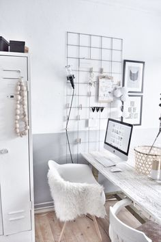10 Minimal office spaces that you will be smitten with (Daily Dream Decor) – Home Office Design İdeas Office Interior Design, Home Office Decor, Office Interiors, Office Ideas, Office Inspo, Office Designs, Luxury Interior, Room Interior, Dream Decor
