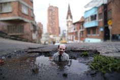 Survivor. Bogotá, Colombia Isaac Cordal
