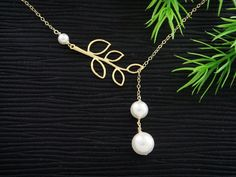Pearl on Branch leaf Necklace, GOLD Filled Lariat Jewelry, Flower girl, Dainty Bridesmaids Necklace, Pearl Jewelry, Mother's Necklace