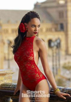 Ariel Meredith in Sport Illustated mag