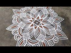 Simple Rangoli Designs Images, Free Hand Rangoli Design, Rangoli Border Designs, Henna Designs Easy, Rangoli Designs With Dots, Beautiful Rangoli Designs, Padi Kolam, Rangoli Borders, Muggulu Design