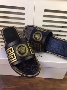 Versace Sandals, Versace Sneakers, Sneakers Fashion, Fashion Shoes, Versace Mens Shoes, Fashion Accessories, Fresh Shoes, Hype Shoes, Mens Slippers