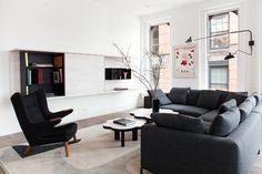 ASHE LEANDRO Soho Loft, Living Room New York, Living Room Grey, Living Room Designs, Living Spaces, Image Deco, Loft Design, Living Room Lighting, Elle Decor