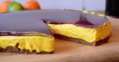 Saffron cheesecake with gingerbread cookie crust and mulled wine icing Baking Recipes, Cookie Recipes, Dessert Recipes, Desserts, Christmas Baking, Christmas Treats, Christmas Cookies, Good Food, Yummy Food