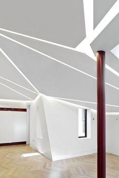 Incroyable extension sur un bâtiment géorgien à Londres avec un toit à facettes mêlant cuivre et bronze. On doit cette réalisation aux architectes d'Emrys, pour le compte de la société GMS Estates.