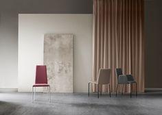 La nostra sedia Dora in una nuova versione con gambe in metallo / Our Chair Dora avaiable in a new version with metal legs