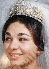 Made in 1959 by Harry Winston using the 60-carat Noor-ol-Ain diamond, one of the largest pink diamonds in the world. - Queen of Iran wedding tiara