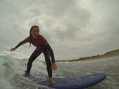 Video de los Cursillos de Surf impartidos la primera semana de agosto 2015 en Baluverxa , la Escuela de Surf del Cabo Peñas ... https://youtu.be/2XN1OkT1paU