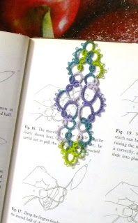 Tat-a-Renda: Folded Bookmark