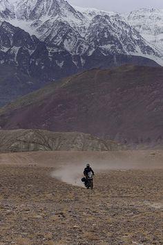 Revive los momentos más importantes del lanzamiento de la nueva Royal Enfield Himalayan. Visita nuestra galería para ver más sobre la Himalayan.