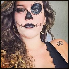 Photoshoot/ Modelo: Beatriz Pinchine/ Makeup: karokibela/  #caveiramexicana #art  #caveiramexicana #photoshoot  #makeupartist  #makeup  #makeupjob #cachosloiros #halloweenmakeup #halloween