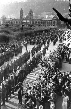 GUERRA CIVIL ESPAÑOLA: ZONA NACIONAL.- San Sebastián, [13-9-1936].- Desfile militar con ocasión de la toma de la ciudad por las fuerzas nacionales.- Efe/jtlafototeca.com Image : efespsix932681
