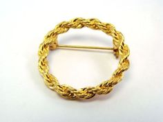Vintage Gold Tone Rope Chain Pin Brooch Flower Jewelry