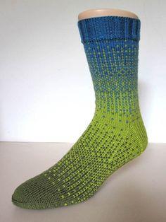 Ravelry: Dither pattern by General Hogbuffer Loom Knitting, Knitting Socks, Knitting Patterns Free, Hand Knitting, Free Pattern, Crochet Socks, Knitted Slippers, Knit Crochet, Knit Socks